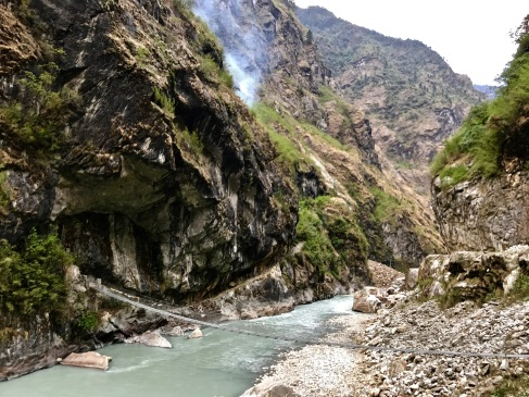 Hanging bridge crossing the Marsayangdi above Tal